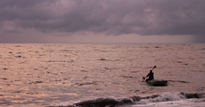 Marari_Beach_Fisherman